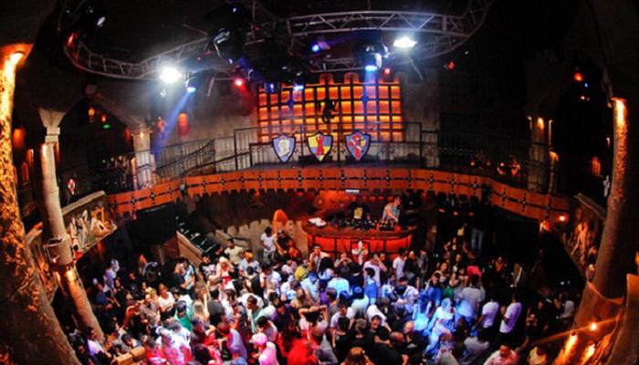 Ночные клубы в самаре с фото ночной клуб толпа